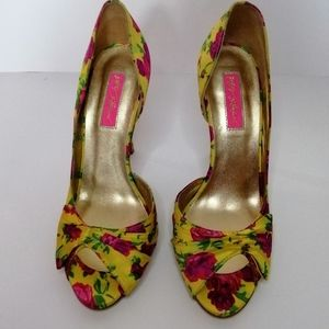 Betsy Johnson Floral Peep Toe heel